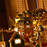 Decorative_Christmas_village_2